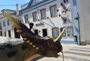 Os dinossauros «invadem» a Lourinhã!