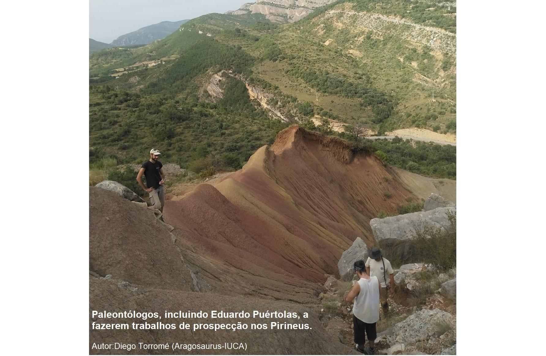 Paleontólogos del grupo Aragosaurus realizando prospección en la Ribagorza_Diego Torromé